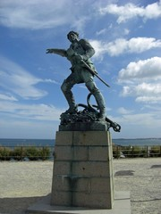 Saint Malo statue de Surcouf