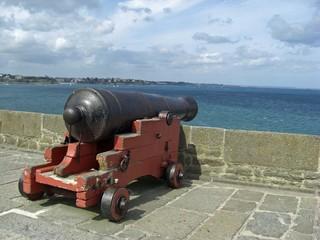 Canon sur les fortifications de Saint Malo