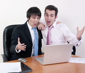 hommes d'affaires et surprise
