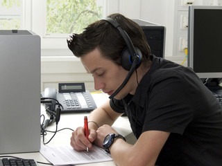 Student mit Headset