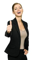 Attraktive Geschäftsfrau macht den Daumen hoch