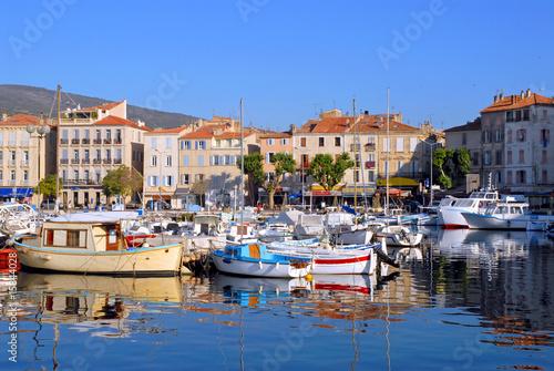 Port de la Ciotat en France - 15844028