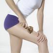 jambes de femme et massage