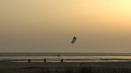 atardecer-kitesurf en tarifa1