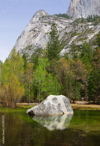 Clear lake in Yosemite National Park