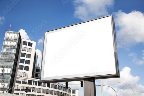 leere Plakatfläche in der Innenstadt - 15951460