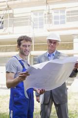 Architekt und Bauarbeiter Bebauungsplan
