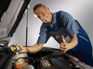 Werkstatt Auto Mechaniker 010