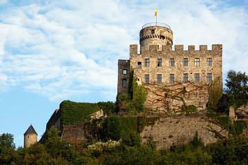 Burg Pyrmont in der Eifel in der Nähe von Roes