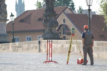 Vermessung der Karlsbrücke