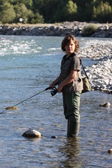 jeune garçon pêcheur