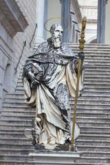 Statua in marmo di San Benedetto