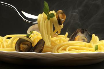 Spaghetti ai frutti di mare - Cucina italiana