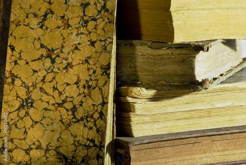 vecchi libri del passato