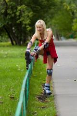Girl reestablish a rollerblade