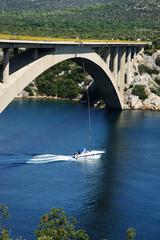 Brücken Bungee auf Boot