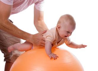 Babygymnastik mit Gymnastikball