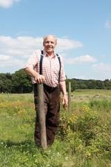 Bauer auf seinem Land