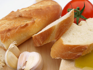Bread garlic tomato