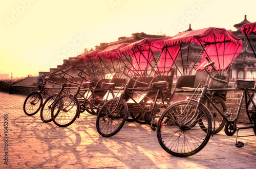 Fotobehang Xian Xi'an / China - Town wall with bicycles