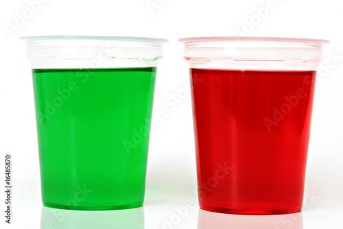 Grüner und roter Wackelpudding