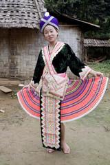 Asiatische Frau Hmong in Tracht, Laos