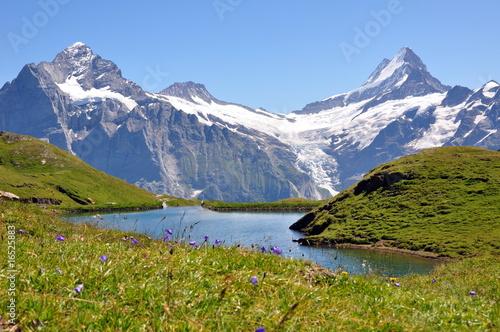 Lac et montagnes © Efel