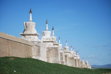 Monastere d'Erdenet Zuu et ses 108 stupas, Mongolie