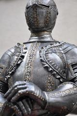 Ritterrüstung mit Helm