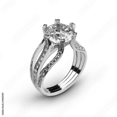 White gold ring with white diamonds_5