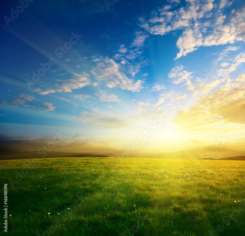 Leinwanddruck Bild spring sunset