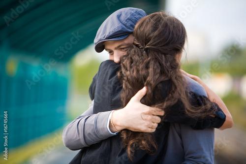 Embracing couple - 16745664