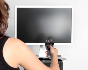 tv fernbedienung frau