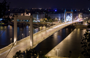 elisabeth´s bridge - night view