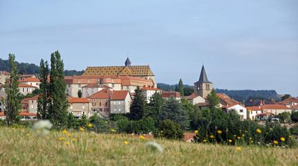 Village d'Ambierle
