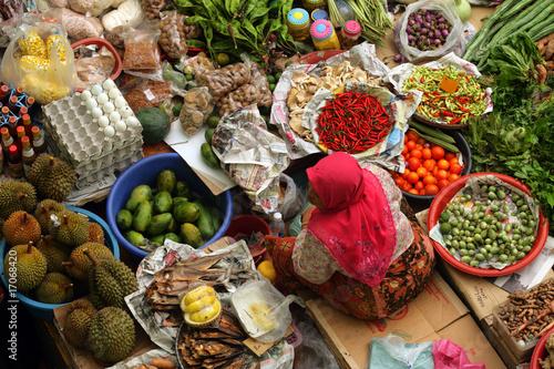 Pasar Siti Khadijah, Kelantan, Malaysia.. - 17068420