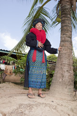 Asiatische Frau, Volksgruppe Yao in Tracht