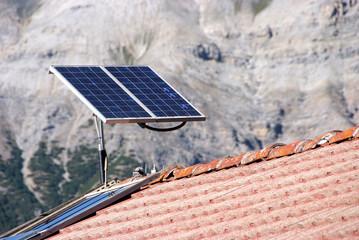 pannello solare in alta montagna