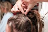 coiffure chignon poster