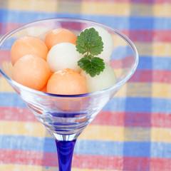 Melon balls with mint