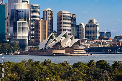 Tuinposter Monument Sydney Opera House and Skyline