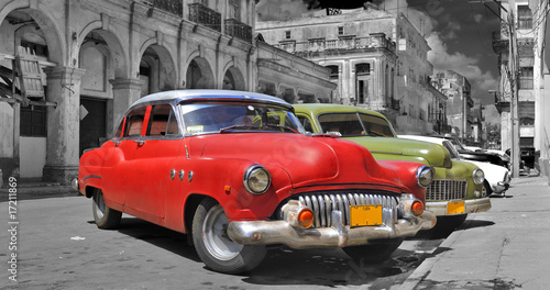 Deurstickers Vintage cars Colorful Havana cars panorama