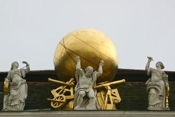 Atlas trägt die Weltkugel