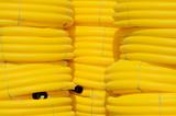 Tuyaux jaunes