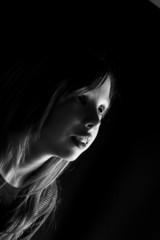 portrait d'enfant en clair obscur