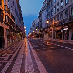 Altstadt von Lissabon in der Morgendämmerung