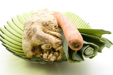 Gemüse in Glasschale