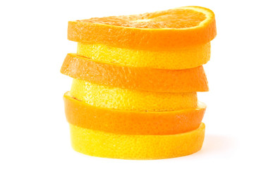 Scheiben einer Orange und Zitrone