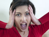 femme effrayée rage fureur poster