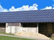 Solarzellen auf einem Scheunendach